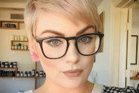 kurz haar frisuren frauen brille