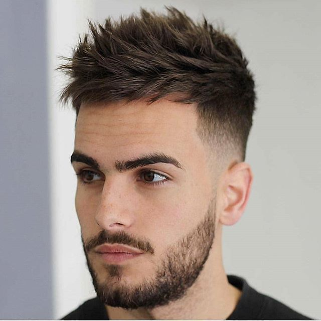männer frisuren kurz geheimratsecken