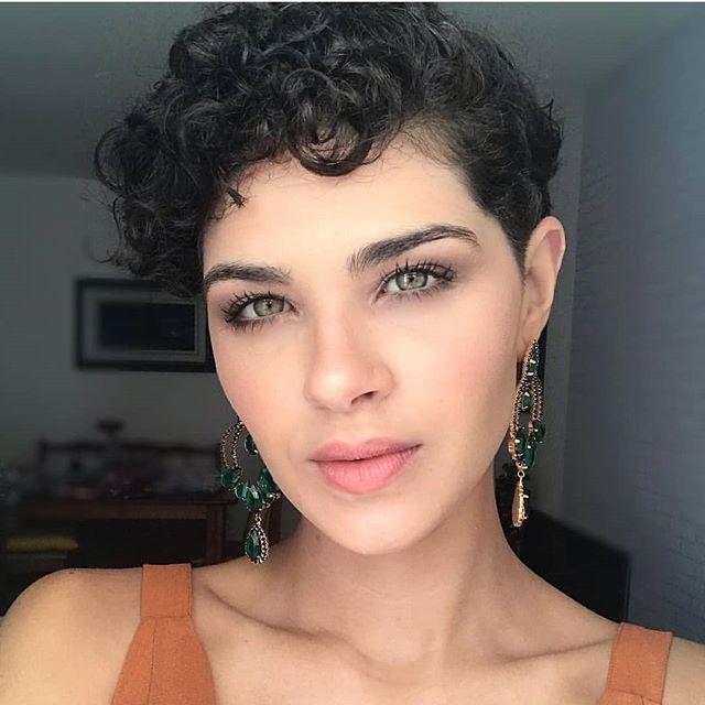 kurze pixie frisuren dunkel