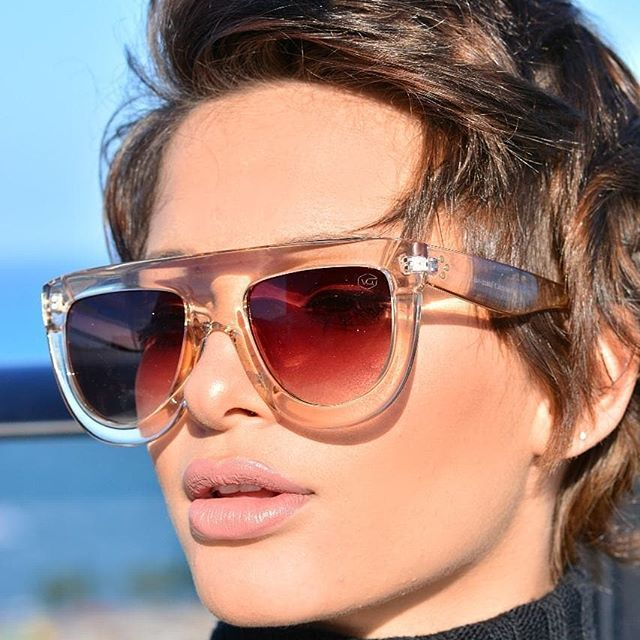 kurzhaarfrisuren damen brille
